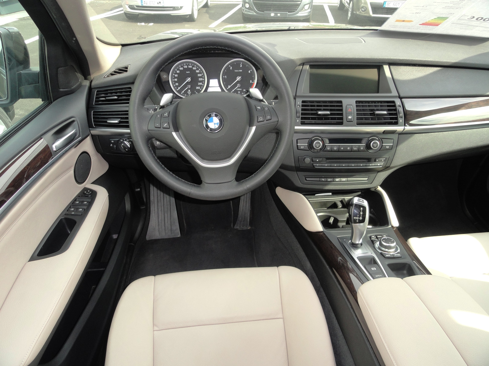 bmw x6 xdrive 40d pr sentation v hicule. Black Bedroom Furniture Sets. Home Design Ideas