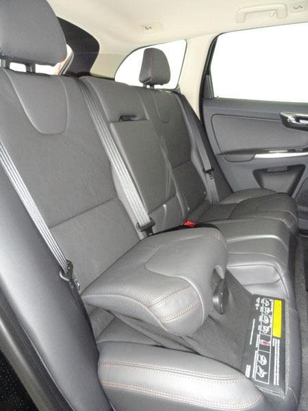 Suv premium et familial volvo xc60 d3 awd pr sentation for Rehausseur haut auto