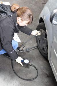 comment faire sa pression pneus