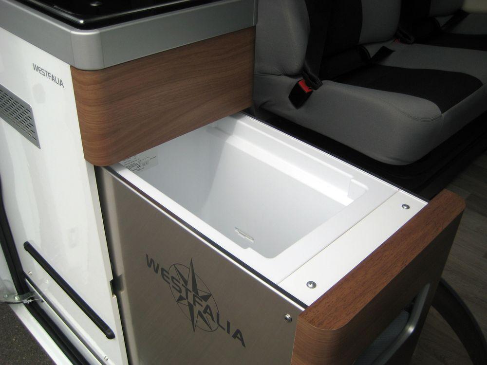 le nouveau westfalia colombus 600d est arriv chez starterre actu auto. Black Bedroom Furniture Sets. Home Design Ideas
