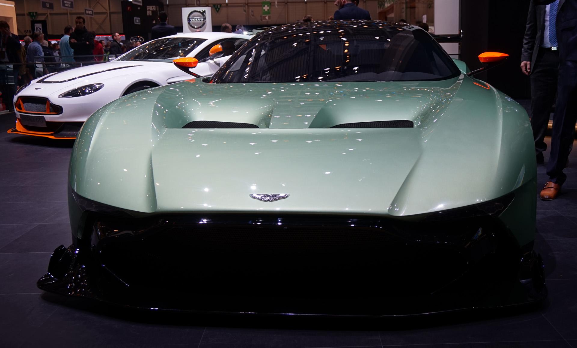 Aston-Martin-Vulcan-Geneve