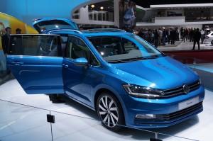 Volkswagen-Touran-01