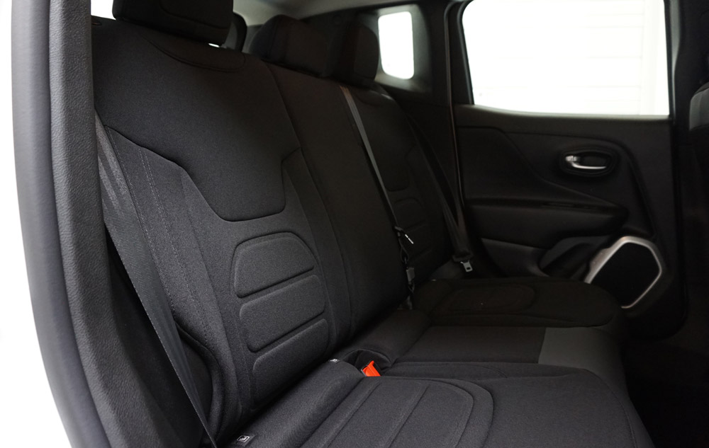 jeep renegade lu 4x4 de l 39 ann e 2015 actu auto. Black Bedroom Furniture Sets. Home Design Ideas