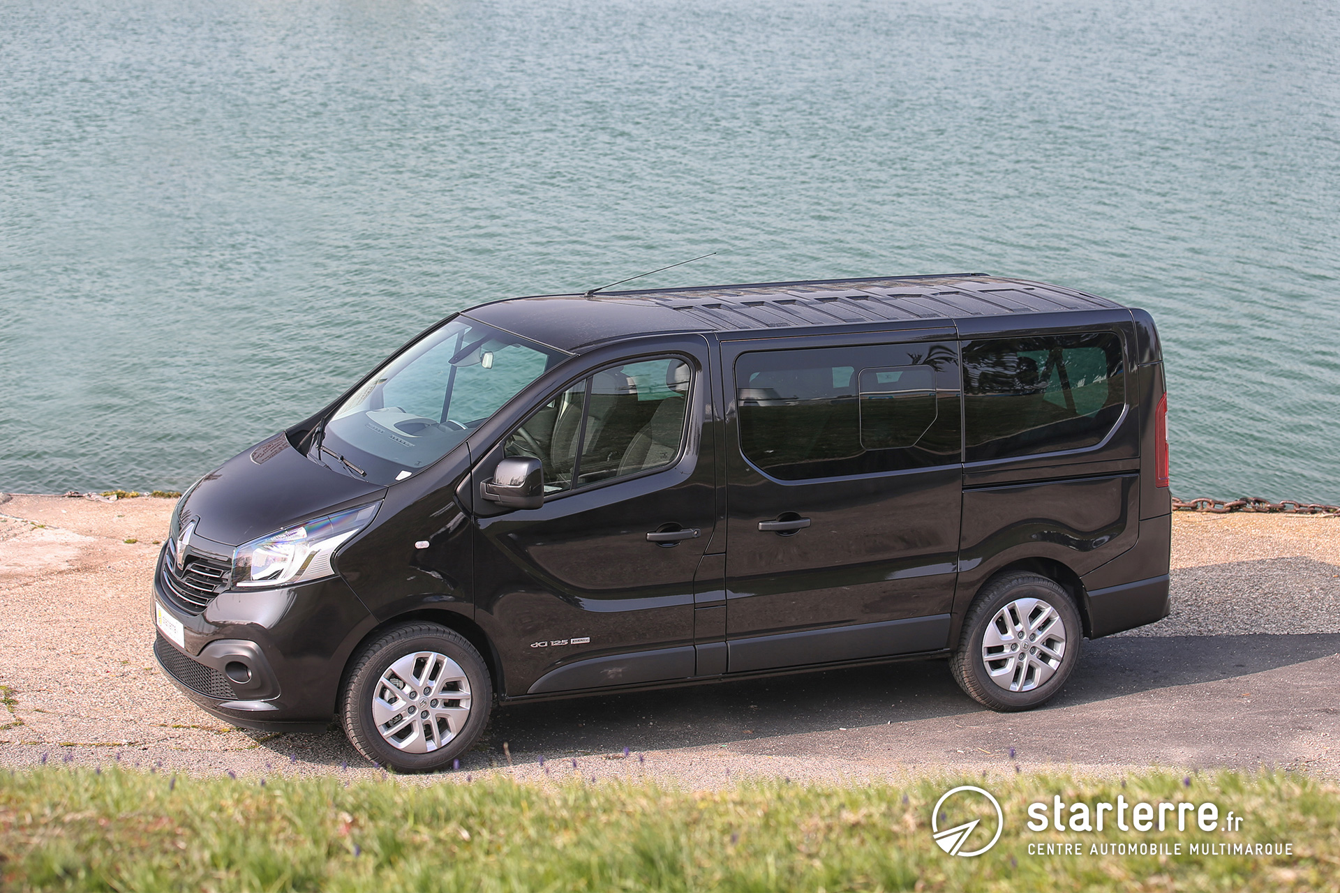 renault trafic combi trafic passenger pr sentation. Black Bedroom Furniture Sets. Home Design Ideas