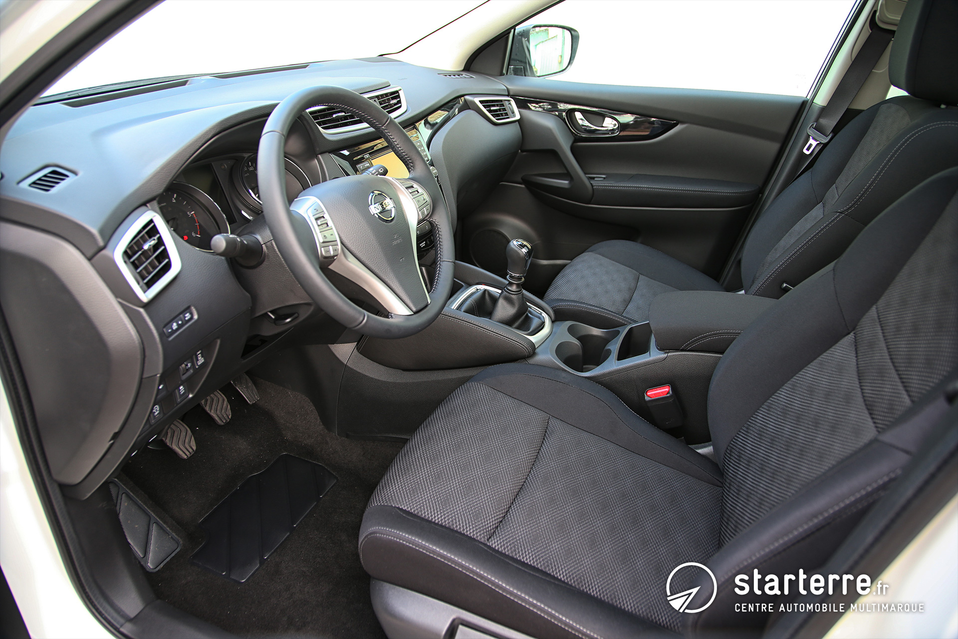 qashqai all mode nissan qashqai 1 6 dci 130 all mode 4x4 i connect edition pr sentation v hicule. Black Bedroom Furniture Sets. Home Design Ideas