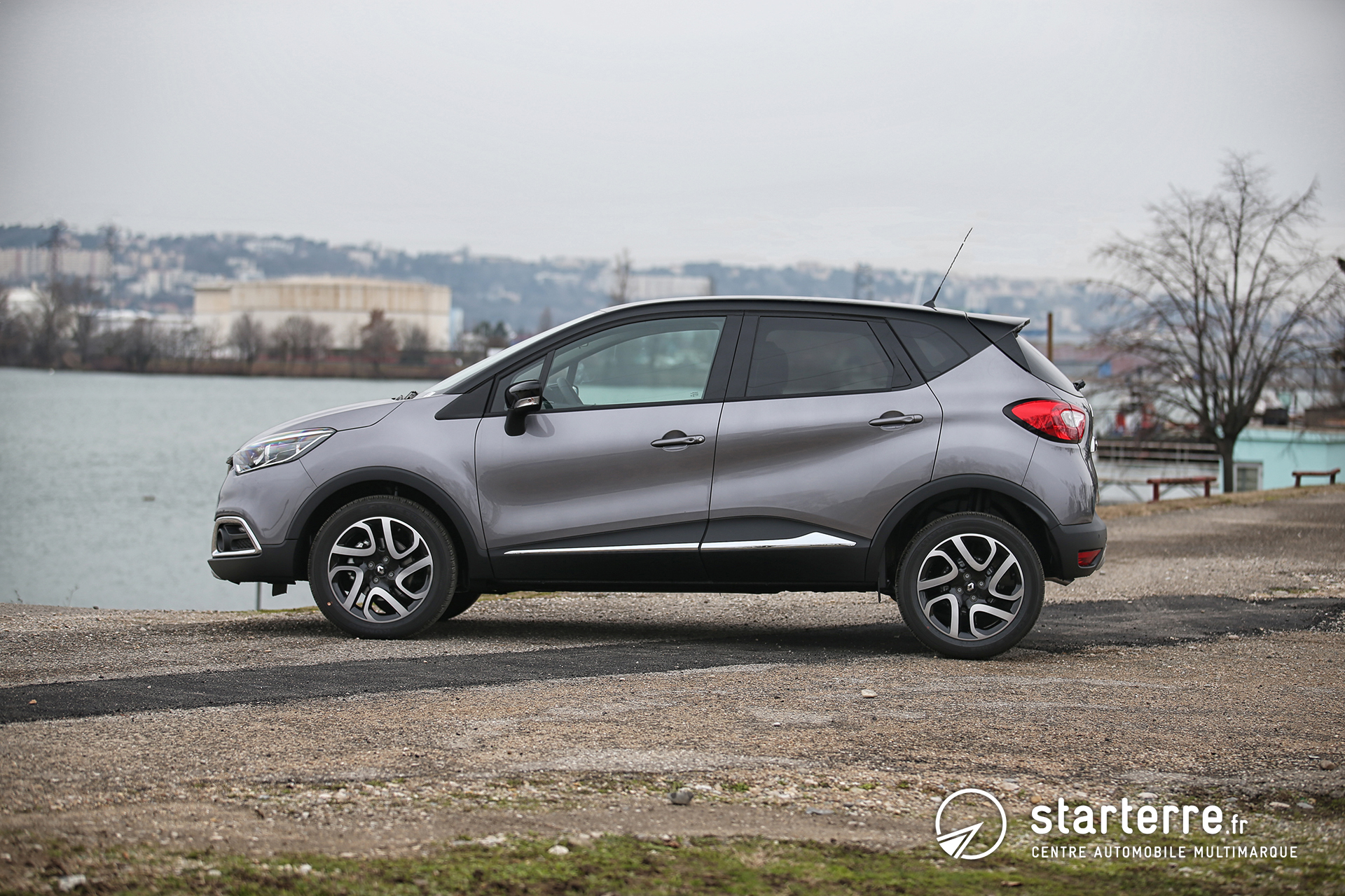renault captur plus qu 39 un succ s d 39 estime pr sentation v hicule. Black Bedroom Furniture Sets. Home Design Ideas