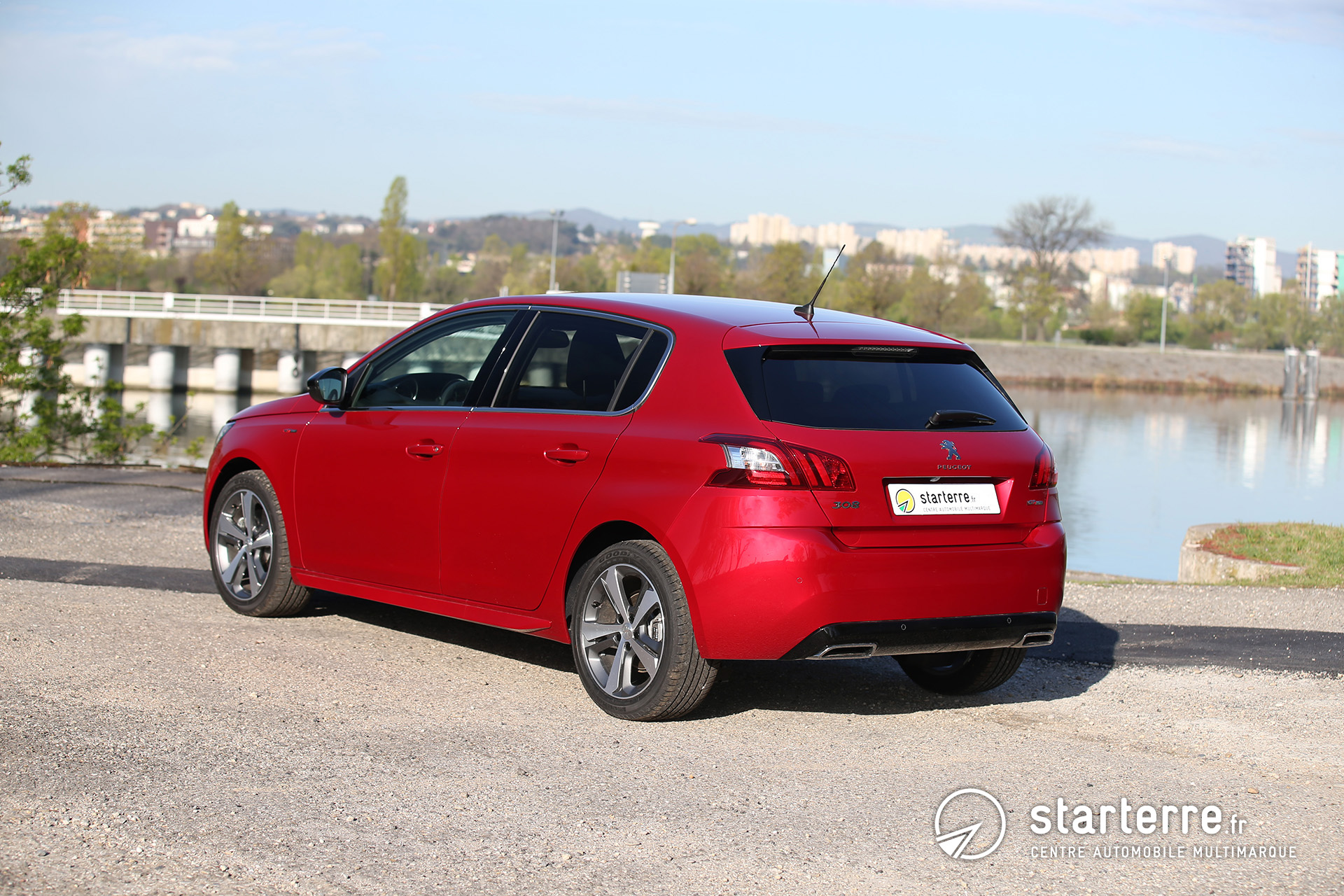 peugeot 308 gt line agr able et performante. Black Bedroom Furniture Sets. Home Design Ideas