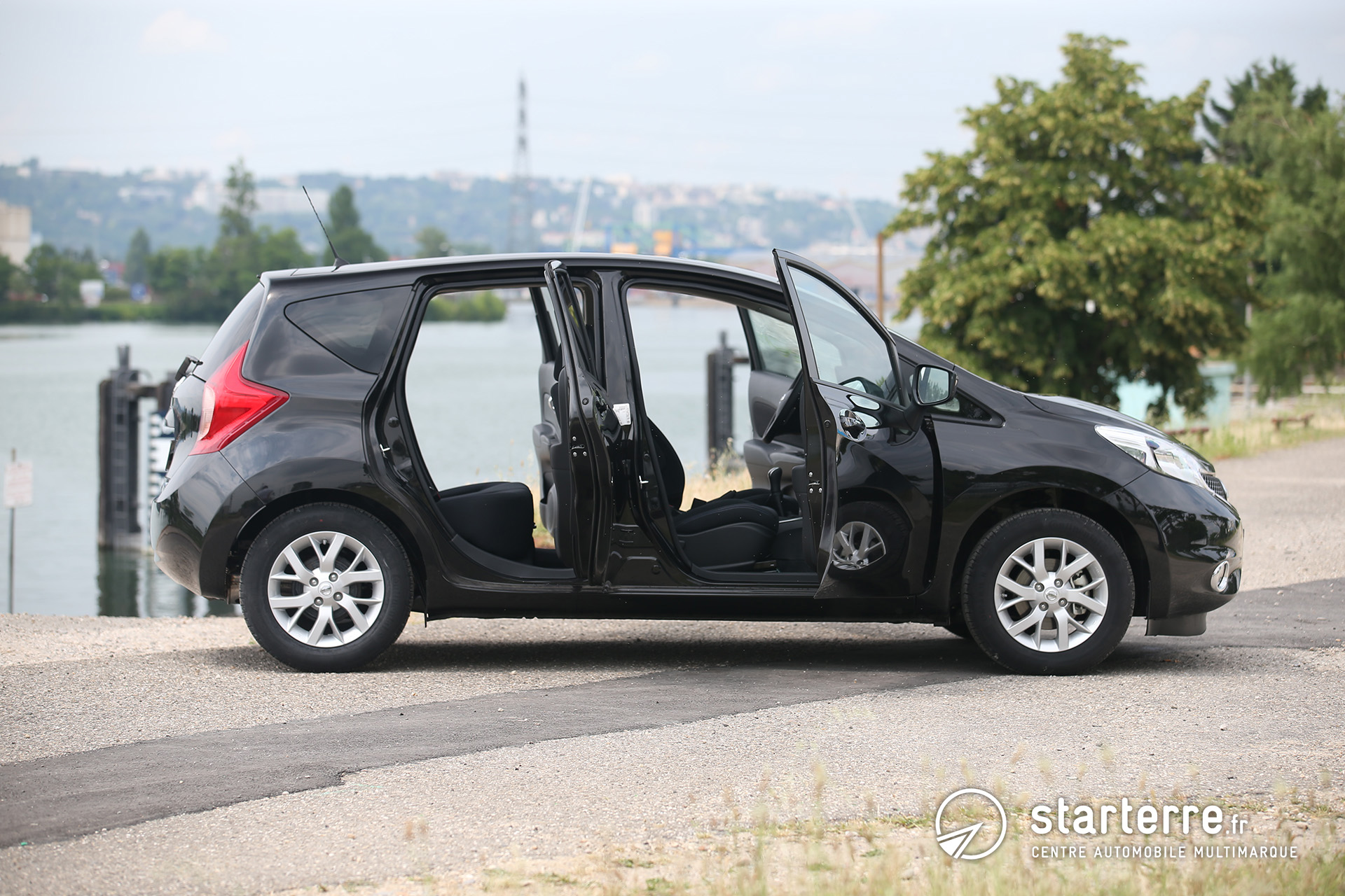 nissan note monospace compact et spacieux pr sentation v hicule. Black Bedroom Furniture Sets. Home Design Ideas