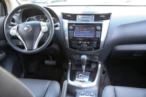 Nissan Navara NP300 tableau de bord