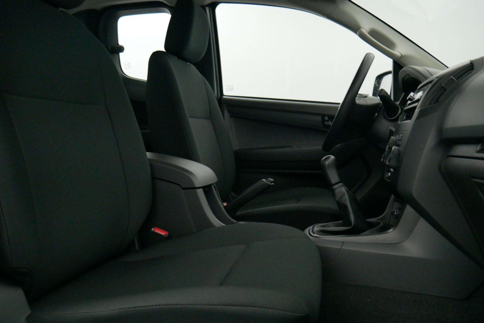 Isuzu D-Max Space Cab benne Titan